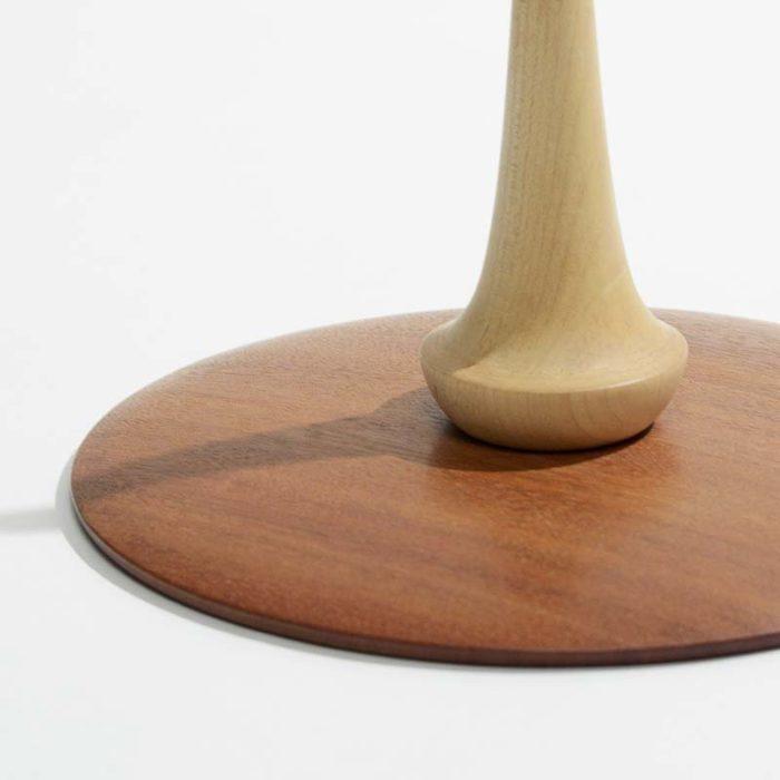 Klarinetholder i ahorn og mahogni.