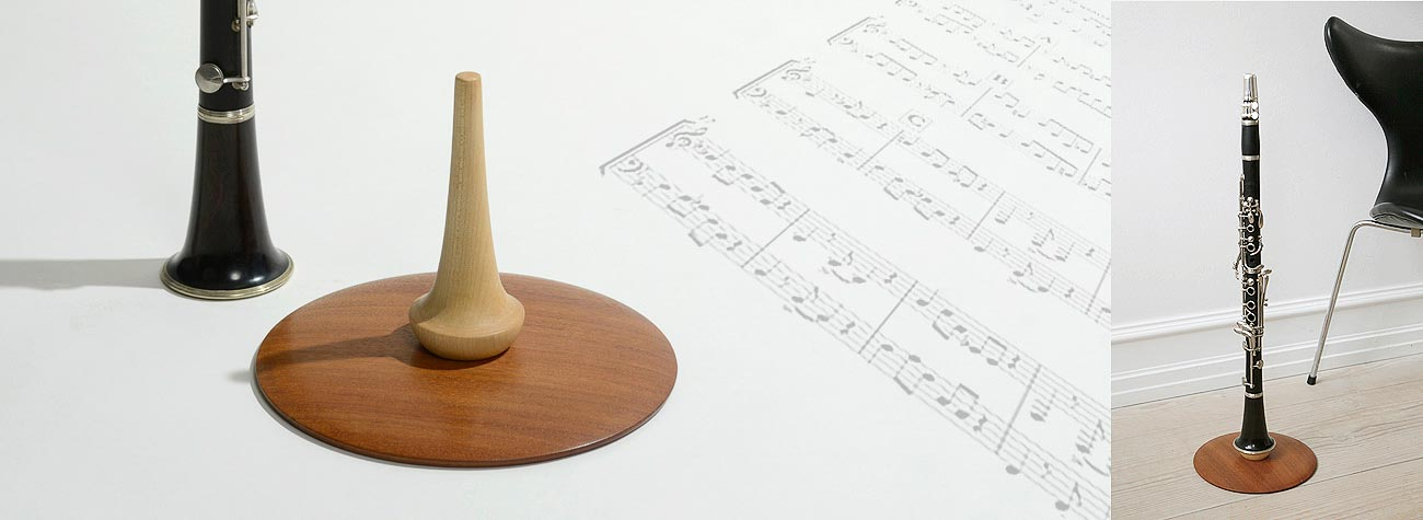 Klarinetholder i massivt træ - passer til en A og en Bb klarinet
