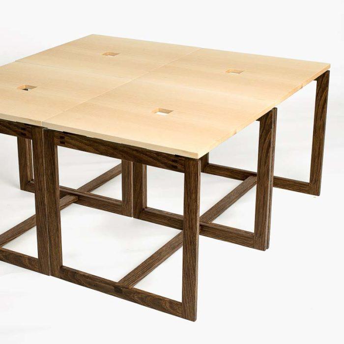 4 borde stillet sammen til et sofabord med målet 66×66 cm.