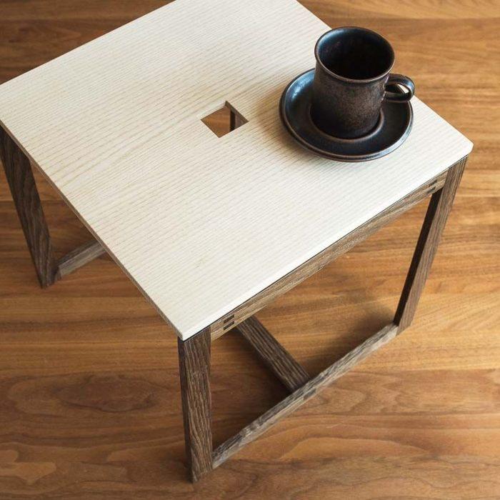 Sidebord til kaffen.