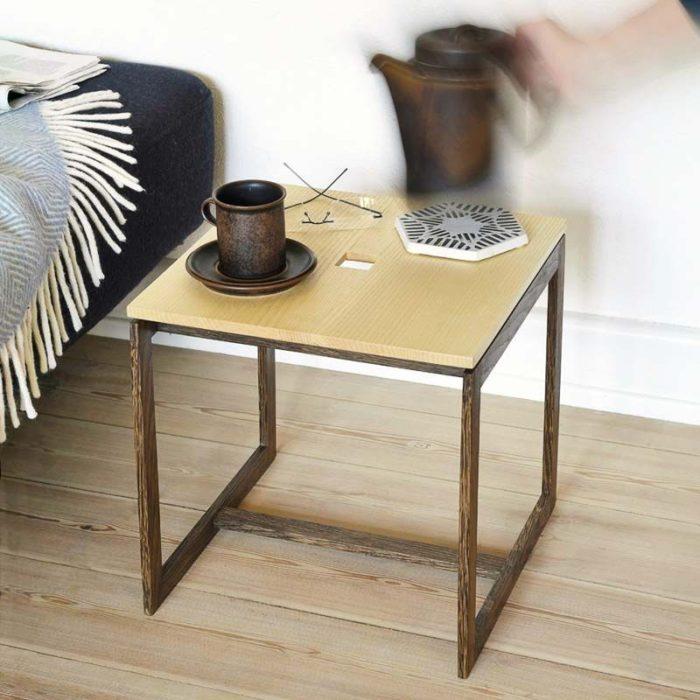 Bordet er let at flytte derhen, hvor man har brug for det.